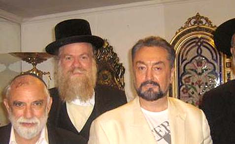 From the left: Rabbi Yeshayahu Hollander, Rabbi Ben Abrahamson and Adnan Oktar in Istanbul.