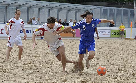 Israel's national beach soccer team playing against France.