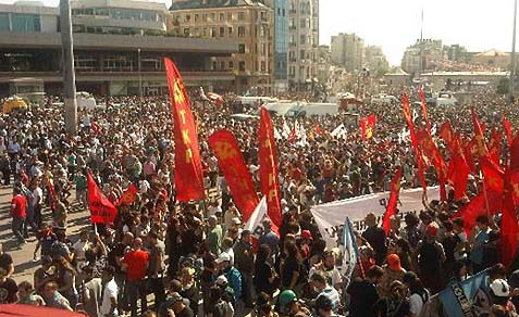 The banners and flags that stood out throughout the violent protests belonged to the minority TKP/ML (Communist Party of Turkey/Marxist–Leninist).