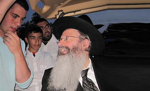 Rav Malkiel Kotler, Rosh HaYeshiva of Beth Medrash Gavoha.