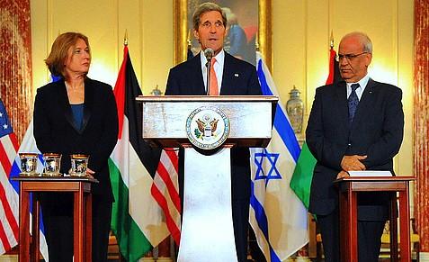 Israeli chief negotiator Tzipi Livni, US secretary of state John Kerry and Arab Palestinian chief negotiator Saeb Erekat