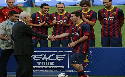 Barcelona soccer star Lionel Messi heard the Palestinian Authority national anthem in Bethlehem. Singing the HaTikvah anthem in Tel Aviv was ditched, but President Peres shakes hands - for peace