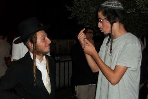 sivuv  Haredi and youth.jpg