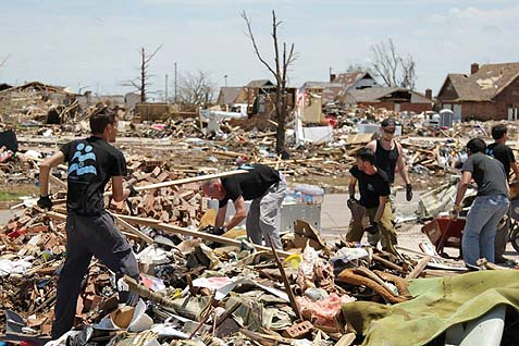 Israelis Help in Oklahoma Tornado Relief Efforts.