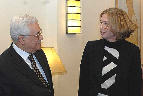 Justice Minister Tzipi Livni and Palestinian Authority Chairman Mahmoud Abbas.