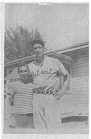 Victor Zalta poses with Hank Greenberg in 1946 in St. Petersburg, Florida.