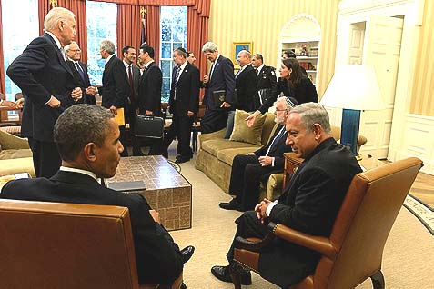 President Obama and Prime Minister Netanyahu meeting in the Oval Office, September 30, 2013. Now they'll do it again, and Obama will lean on Netanyahu to push a framework that neither side believes in.