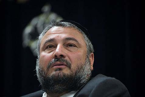 Beit Shemesh Haredi mayor Moshe Abutbul could be ousted tomorrow.