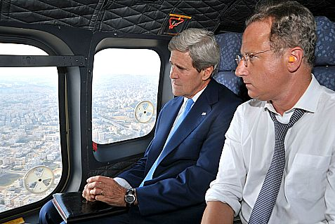 Kerry and Lowenstein up in the air on way to Ramallah.