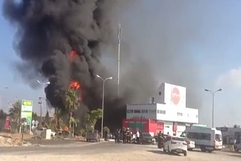 Ashdod Gas station hit by rocket.  Photo: Rotter.net