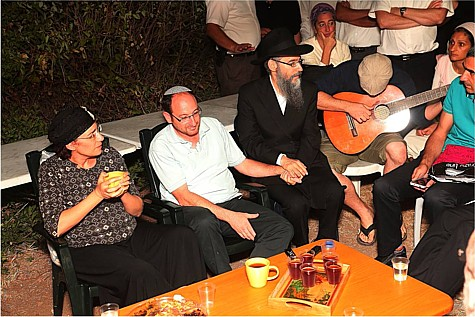 Avraham Fried at Frenkel Shiva Home