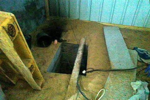 Tunnel shaft discovered in a private home to a terror tunnel that leads in Gaza to ... who knows where?