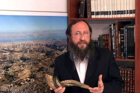 Rabbi Richman with Shofar