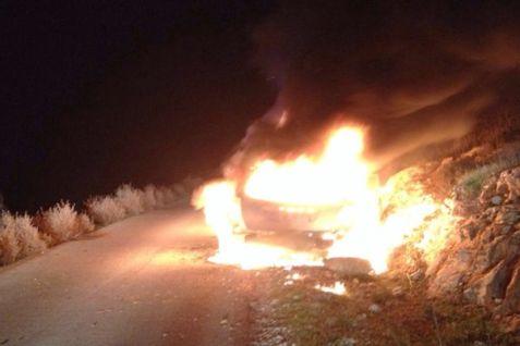 Car on fire Maaleh Shomron