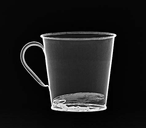 An X-ray of the Auschwitz mug with gold ring