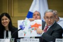 Netanyahu and Map