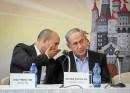 Prime Minister Benjamin Netanyahu (L) and Education Minister Naftali Bennett