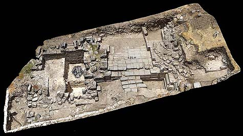Hippos saddle side – an accurate photogrammetric model of the gates' structure, the two towers and the gate between them. The mask of Pan is placed where it was found. (Photo Credit: Dr. Michael Eisenberg, Photogrammetry: Eli Gershtein)