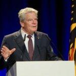 """""""@gauckinjena"""": Der Bundespräsident sprach wahre Worte, die einfach allen ins Herz gehen müssten!"""