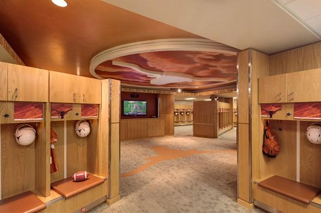 UT Football Lockeroom