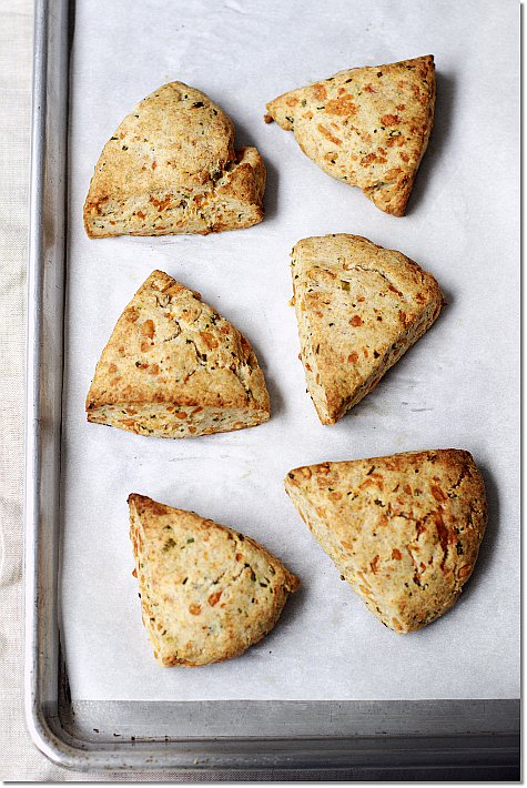 Gruyere Chive Scones on JillHough.com