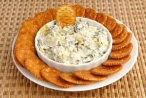 blue-cheese-artichoke-dip-shutterstock_90751097