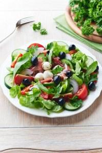 prosciutto arugula salad shutterstock_122301262