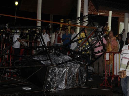 phuket-stage-collapse-1