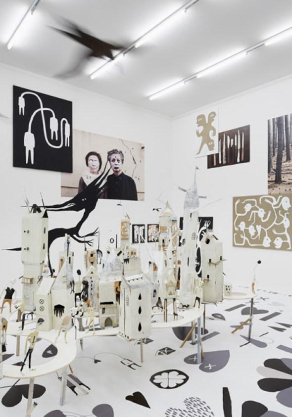 Ausstellungsansicht von Augustin Rebetez' Installation im Aargauer Kunsthaus Foto: David Aebi