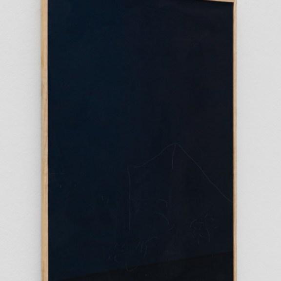 """Julia Haller, """"Knochenleim, Kreide, Eisenoxidpigment, Leinwand, Glasgravur, gerahmt"""" (10 Zeichnungen in drei Gruppen), 2015 · Knochenleim, Kreide, Eisenoxidpigment, Leinwand, Glasgravur, gerahmt"""