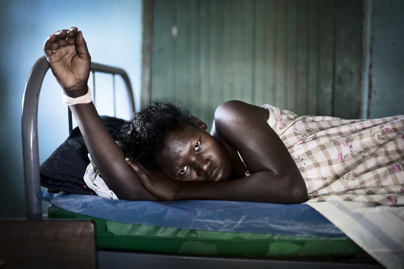 Rachel Kawala¸ 20¸ lost her baby¸ they had to do a emergency caesarean section but the baby survived only a few hours. 20-year-old Rachel Kawala has undergone three births¸ but only one child surveyed.