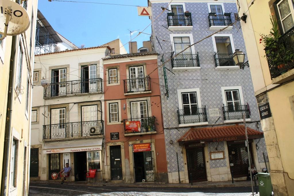 Lisbon 15 - streets of Alfama