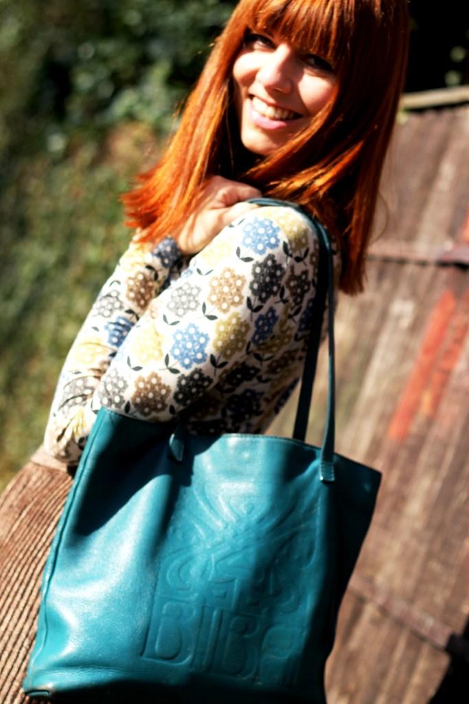Shoot 2 - Biba tote bag in petrol teal blue