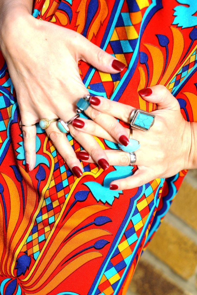 multi rings - 1960s accessories style