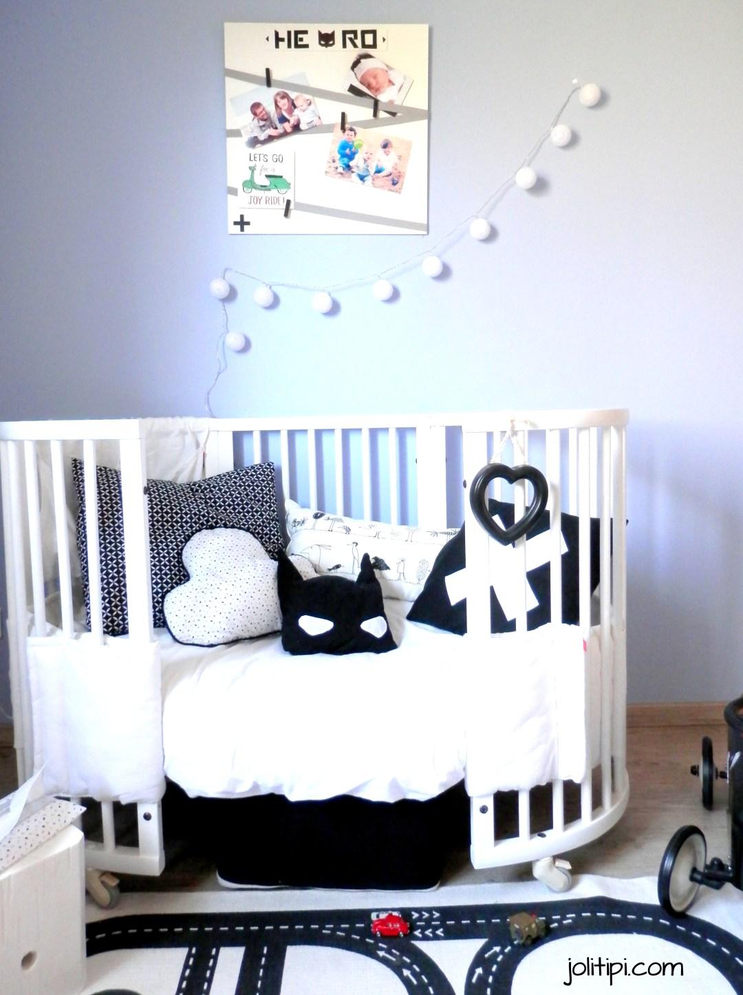 Une chambre d 39 enfant black white pour mon gar on joli tipi - Chambre enfant noir et blanc ...