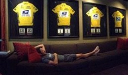 article-lance-armstrong-twitter