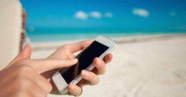 infographie-utilisation-mobile-en-vacances