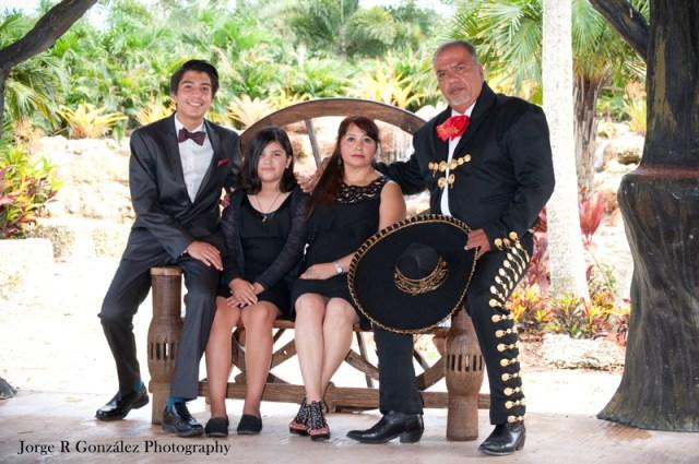 familia, fotografía, mariachi,charro, rancho victoria, homestead, redland