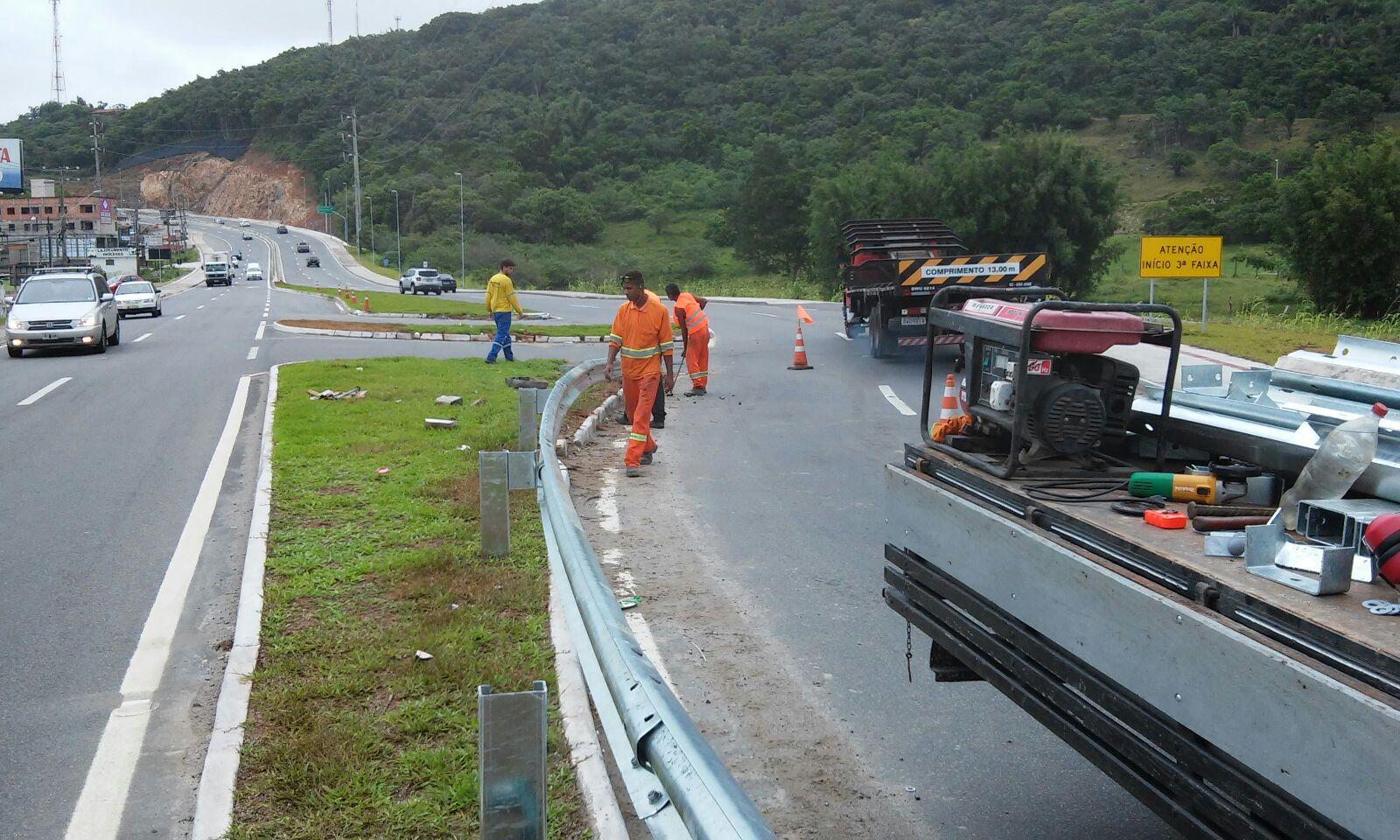 obra-sc403-defesa-guard-rail-rodovia