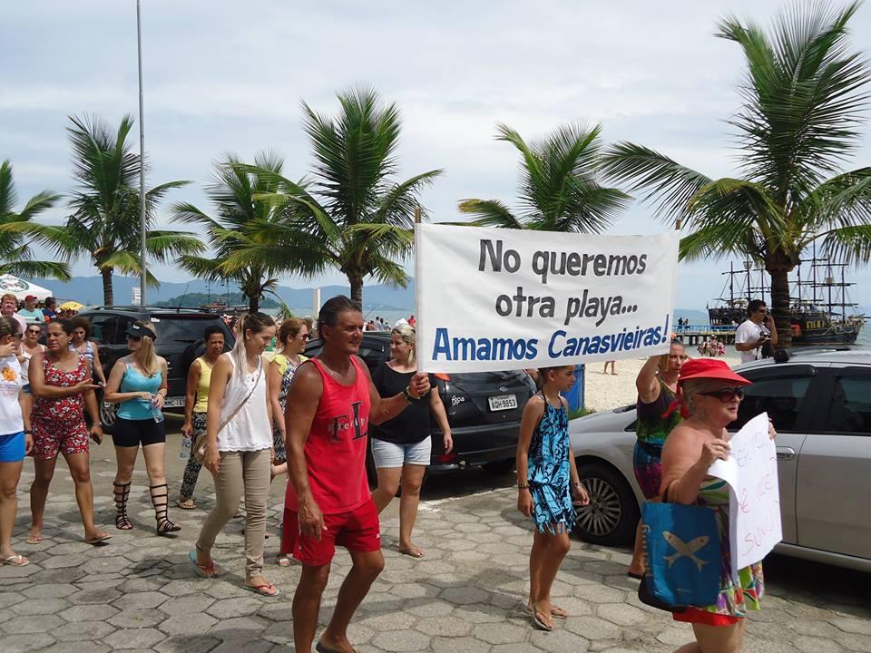 protesto-canasvieiras-moradores-domingo-3