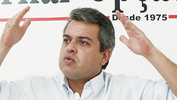 """Ernesto Roller defende a candidatura de Iris para prefeito de Goiânia. """"Ele pode ser o Nion de 2018"""""""