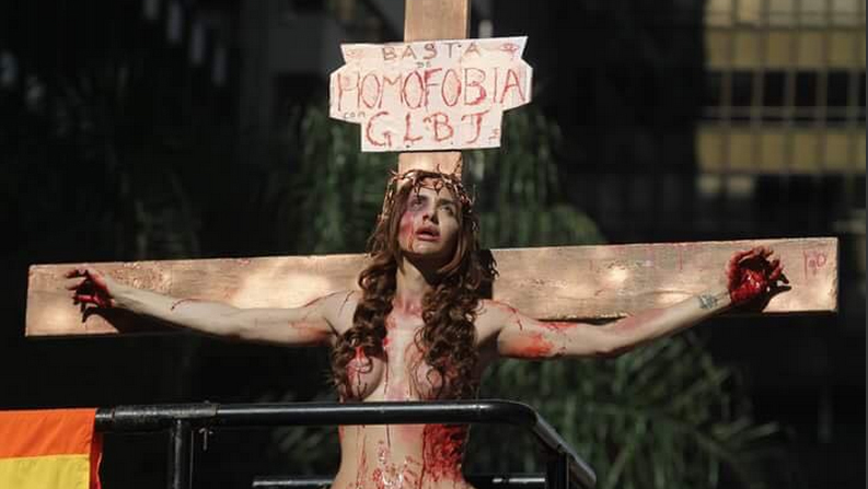 http://i2.wp.com/www.jornalopcao.com.br/wp-content/uploads/2015/06/parada-gay-mulher.jpg