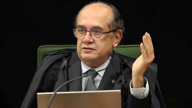 Gilmar Mendes devolve à PGR segundo inquérito contra Aécio