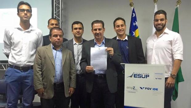 Vanderlan propõe criação de distritos industriais em Goiânia a jovens empresários