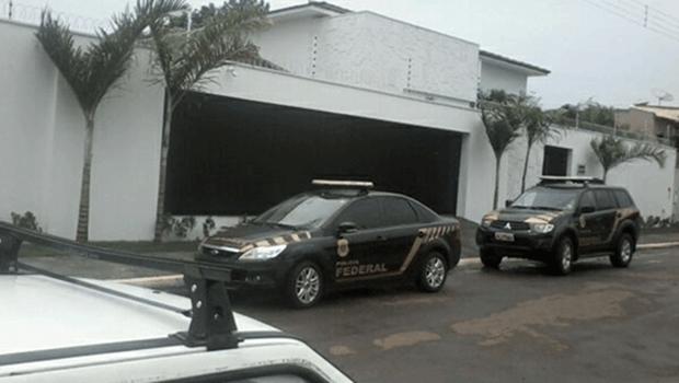 Após denúncia anônima, Polícia Federal faz buscas na casa de secretário de Amashta