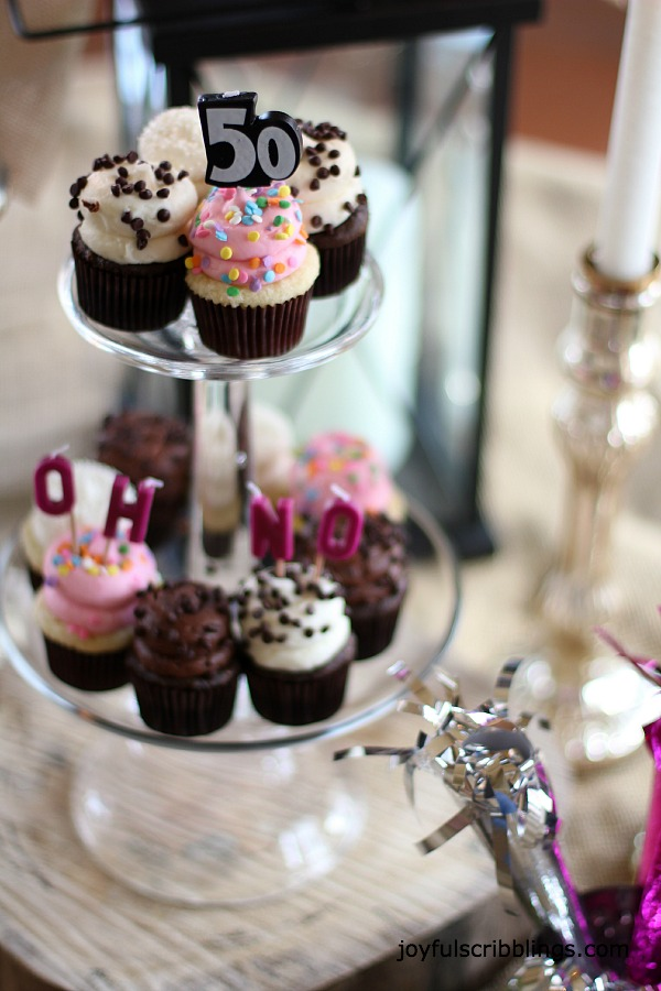 #birthday-cupcake-display