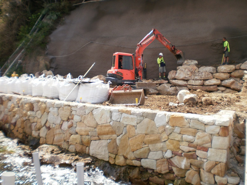 Waterfront Seawall & Excavation - Landscaping