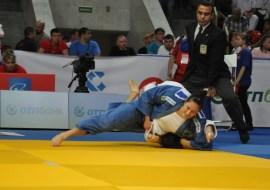 Mayra chega à semifinal com três ippons | Foto: Divulgação