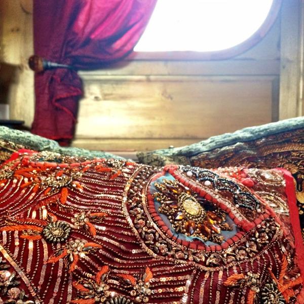 zenaya bedroom