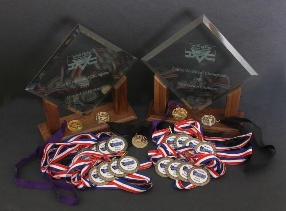 julie_golob_2005_USPSA_champion